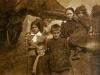 Kaluska Magdalena z dziećmi: Waleria, Jan, Edmund i na rękach Matylda